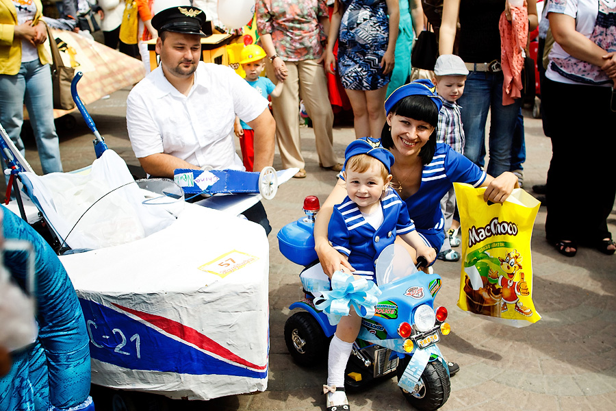 Pram Parade – a cheerful and bright event- gave start to summer 2013 in Siberian capital city